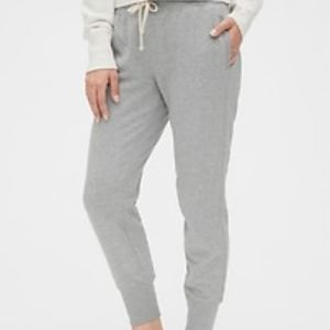 Gap Vintage Soft Joggers in heather gray